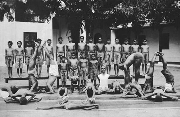 Kroishanamacharya e Pattabhi Jois